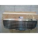 Решетка радиатора MB W211 (пр-во Mercedes-Benz)..
